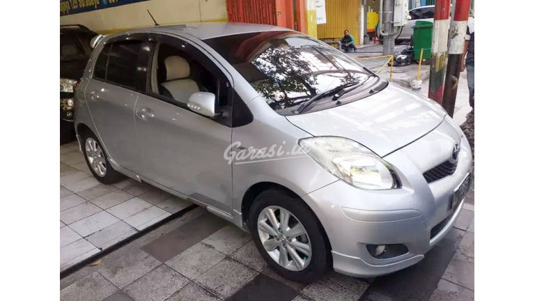 2010 Toyota Yaris E - Nego (preview-0)
