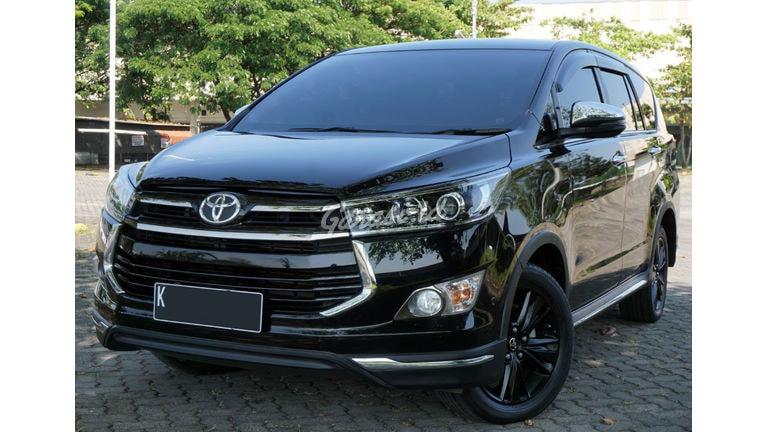 2019 Toyota Kijang Innova Venturer AT - Mobil Pilihan (preview-0)
