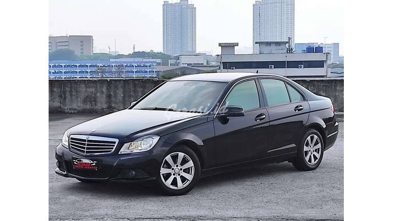 2013 Mercedes Benz C-Class C200 - Like New (preview-0)