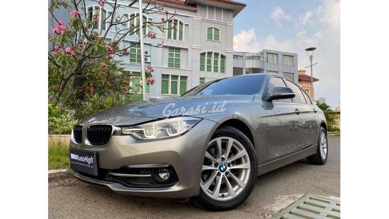 2016 BMW 3 Series 320i - Mobil Pilihan (preview-0)