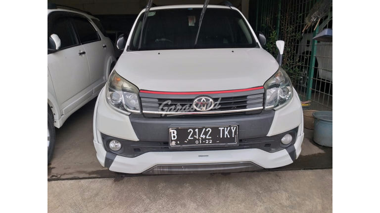 2017 Toyota Rush TRD - Mobil Pilihan (preview-0)