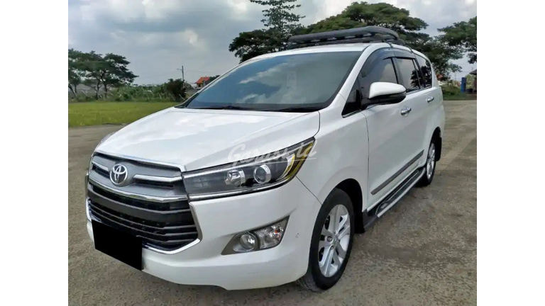 2017 Toyota Kijang Innova V Luxury - Mobil Pilihan (preview-0)