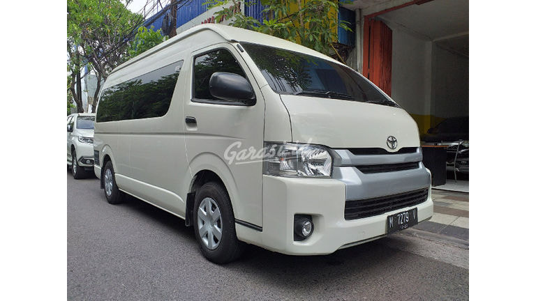 2018 Toyota Hiace Commuter - Kondisi Mulus (preview-0)