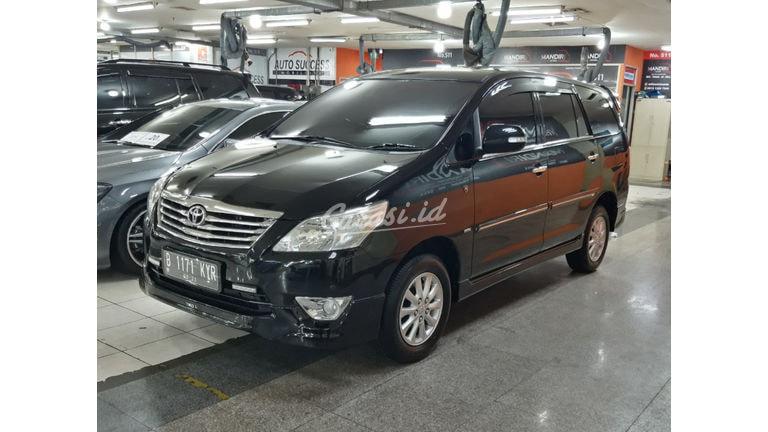 2011 Toyota Kijang Innova V (preview-0)