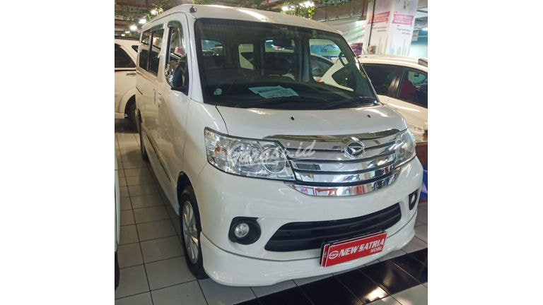 2015 Daihatsu Luxio X - Mobil Pilihan (preview-0)