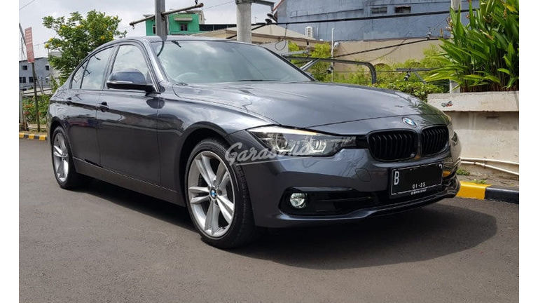 2019 BMW 320i Sport - Mobil Pilihan (preview-0)
