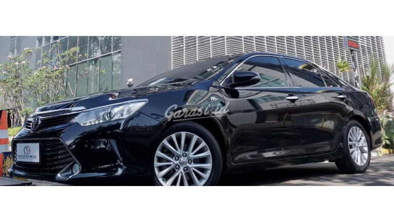 2016 Toyota Camry 2.5 V AT - Mobil Pilihan (preview-0)