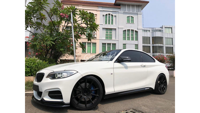2014 BMW 2 Series M235i Coupe - TDP Ringan Cicilan 6 Tahun (preview-0)
