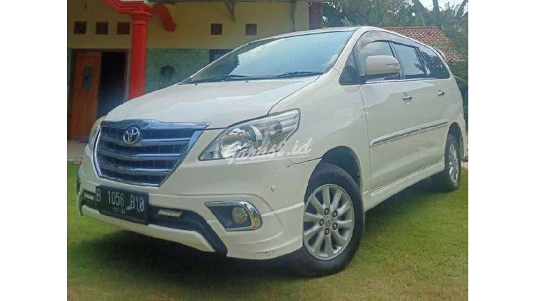 2014 Toyota Kijang Innova V luxury - Mulus Terawat (preview-0)
