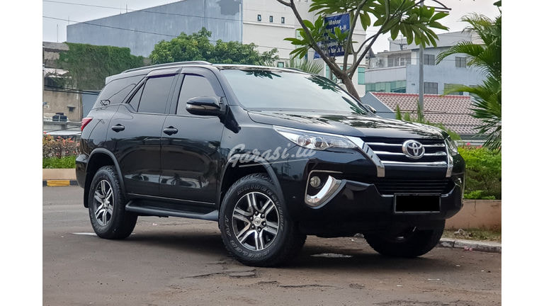 2017 Toyota Fortuner 2.4 G Diesel AT - Mobil Pilihan (preview-0)