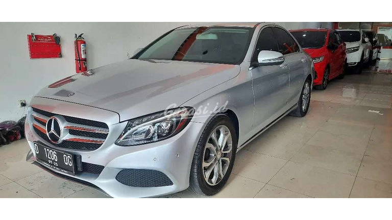 2016 Mercedes Benz C-Class C200 - Mobil Pilihan (preview-0)