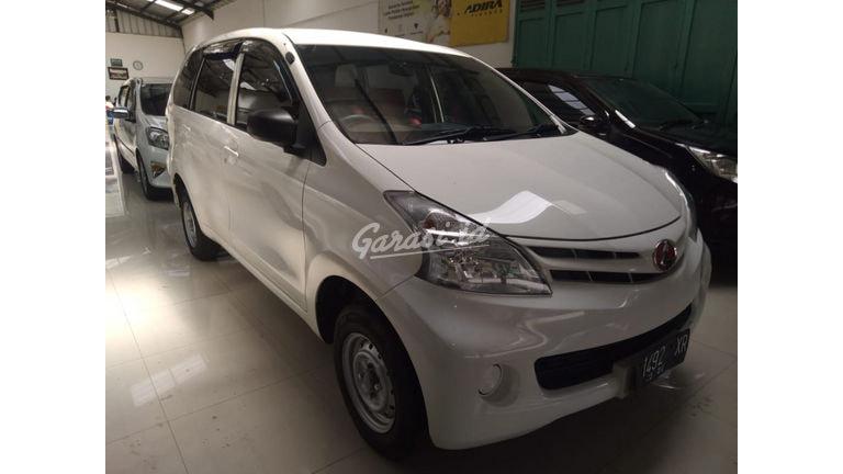 2015 Daihatsu Xenia D - Kondisi Terawat Siap Pakai (preview-0)