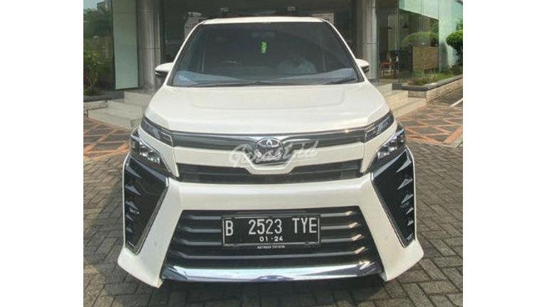 2018 Toyota Voxy 2.0 - Full Orisinal Seperti Baru (preview-0)