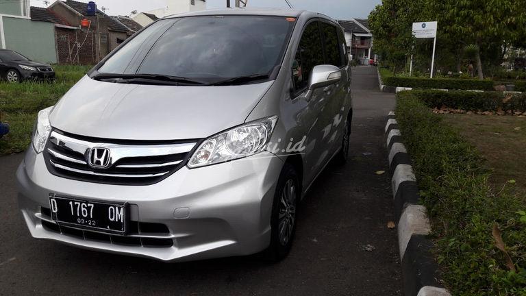 Jual Mobil Bekas 2012 Honda Freed E Psd Kota Bandung 00cp682 Garasi Id