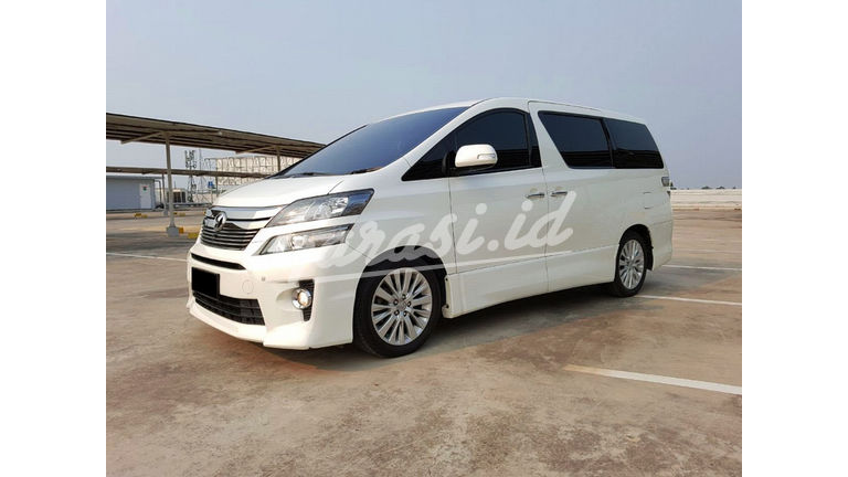 2013 Toyota Vellfire ZG - Mobil Pilihan (preview-0)