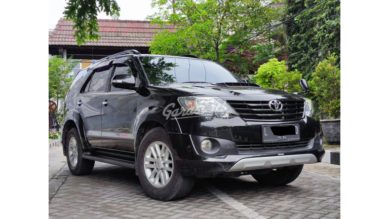 2013 Toyota Fortuner VNT TRD (preview-0)