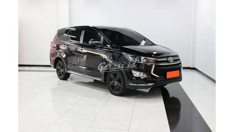 2018 Toyota Kijang Innova Venturer 2.0 AT - Mobil Pilihan (preview-0)