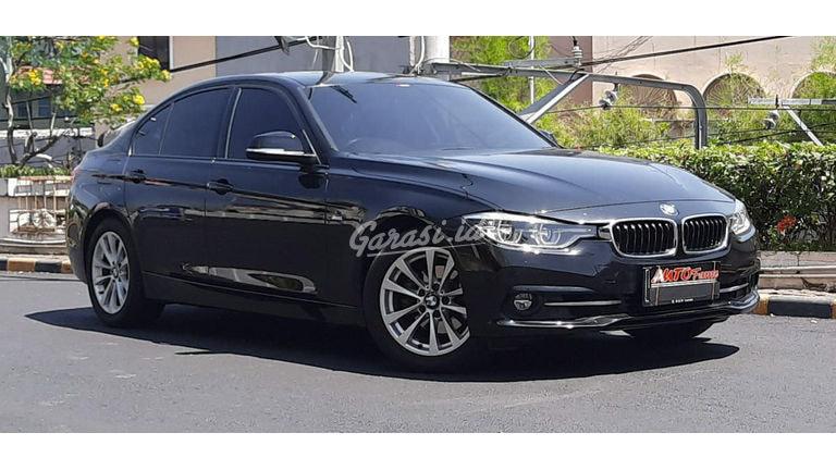2018 BMW 3 Series 320i - Mobil Pilihan (preview-0)