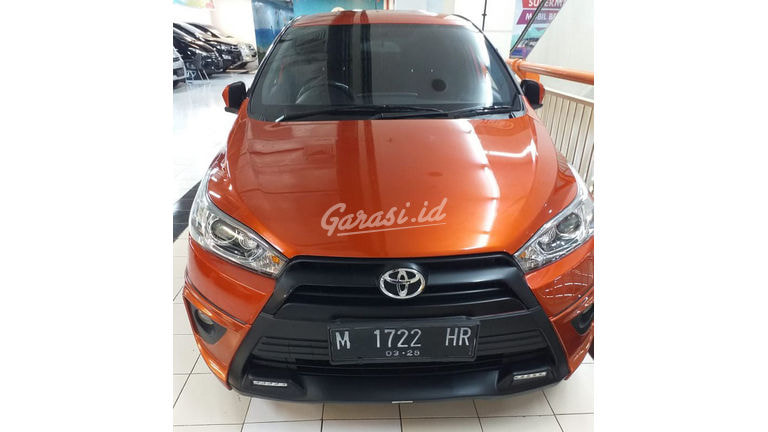 2015 Toyota Yaris strd - Mobil Pilihan (preview-0)