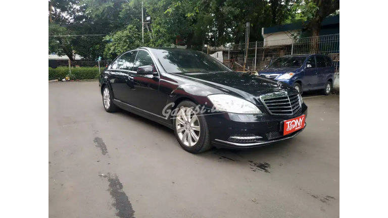 2009 Mercedes Benz S-Class S300 (preview-0)