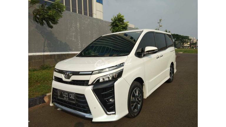 2018 Toyota Voxy 2.0 - Mobil Pilihan (preview-0)