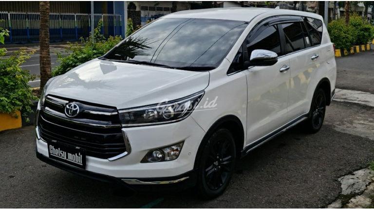 2018 Toyota Kijang Innova Venturer - Mobil Pilihan (preview-0)