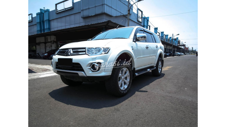 2013 Mitsubishi Pajero Dakar - Mobil Pilihan (preview-0)