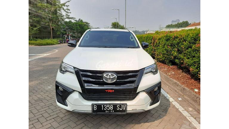 2018 Toyota Fortuner VRZ TRD - KM rendah Istimewa (preview-0)