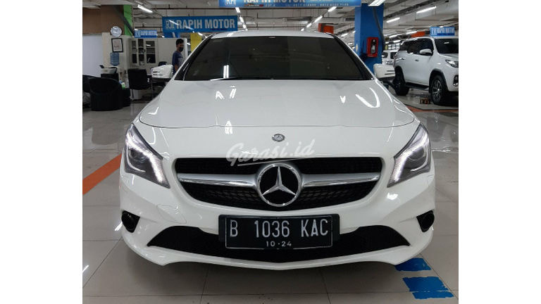 2014 Mercedes Benz CLA 200 Urban - Tangan Pertama Low Km (preview-0)
