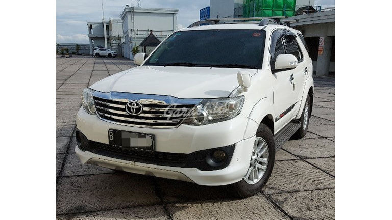2012 Toyota Fortuner TRD - Mobil Pilihan (preview-0)