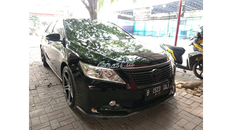 2014 Toyota Camry V - Low KM Istimewa (preview-0)