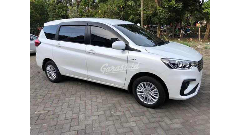 2020 Suzuki Ertiga GL - Mobil Pilihan (preview-0)