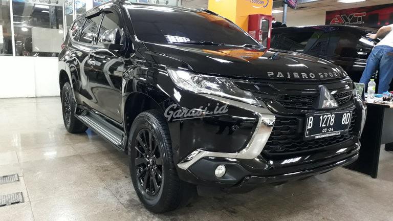 2019 Mitsubishi Pajero Sport Dakar Rockford Black Edition - Mobil Pilihan (preview-0)