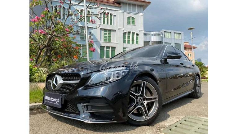 2019 Mercedes Benz C-Class C300 AMG - Mobil Pilihan (preview-0)