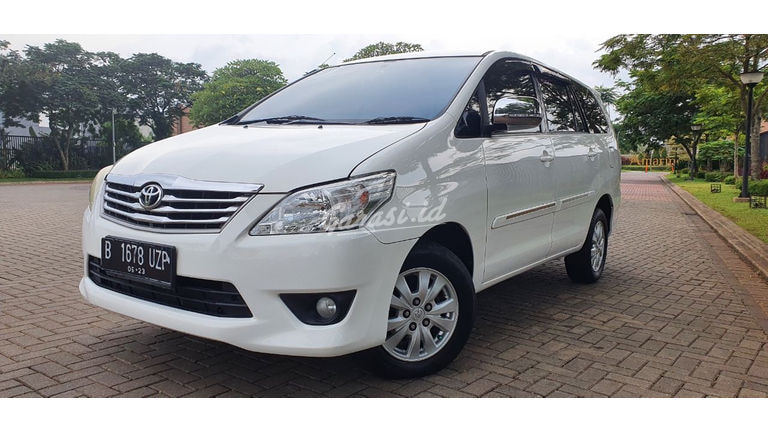 2013 Toyota Kijang Innova D (preview-0)