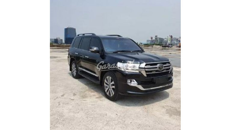 2019 Toyota Land Cruiser 200 VXR - Mobil Pilihan (preview-0)
