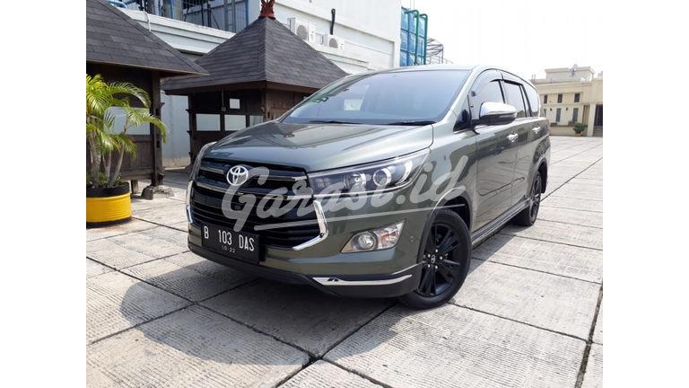 Jual Mobil Bekas 2017 Toyota Kijang Innova Venturer 2 4 Diesel At