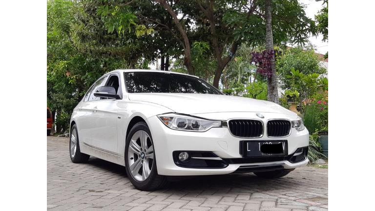 2014 BMW 3 Series 320i Sport Line - Istimewa,Terawat, Siap Pakai (preview-0)