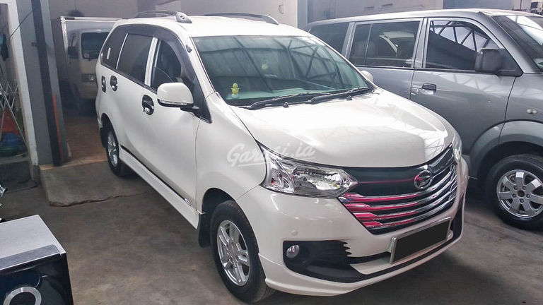 2015 Daihatsu Xenia 1.3 X - Mobil Pilihan (preview-0)