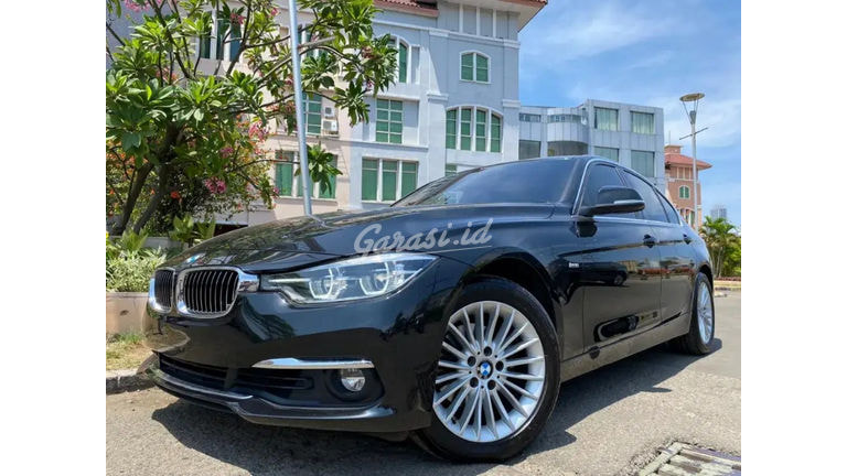 2018 BMW 320i Luxury F30 - Mobil Pilihan (preview-0)