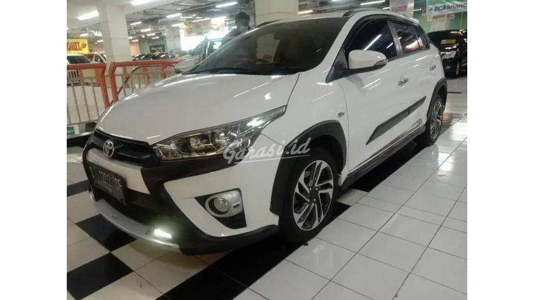 2017 Toyota Yaris TRd Heykers - Mobil Pilihan (preview-0)