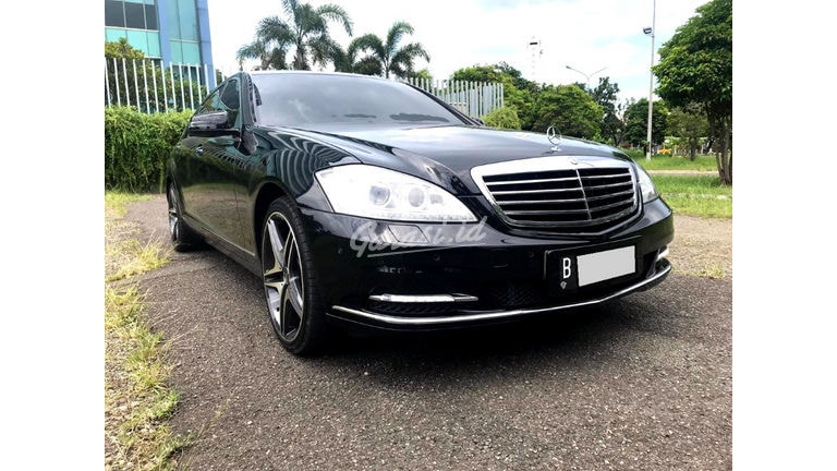 2008 Mercedes Benz S-Class S300 (preview-0)