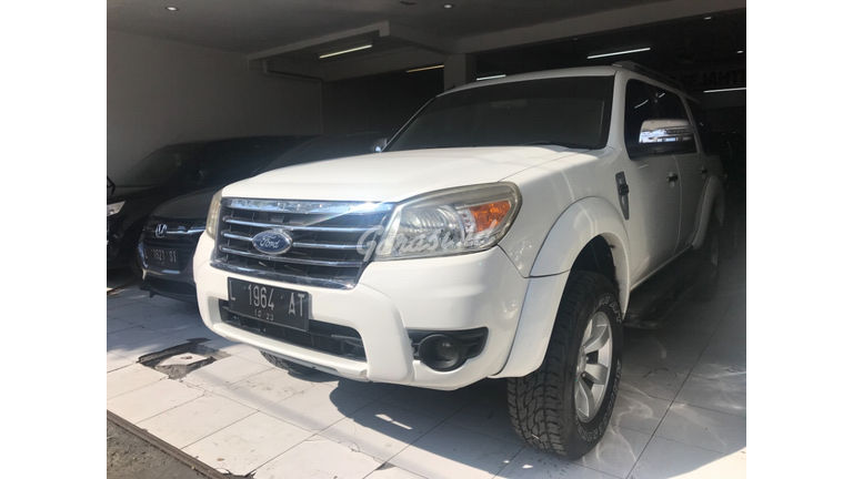 2010 Ford New Everest 2.5 L MT - Kredit Bisa Dibantu (preview-0)