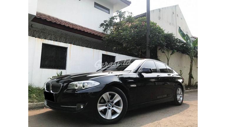 2013 BMW 5 Series 528i - Mobil Pilihan (preview-0)