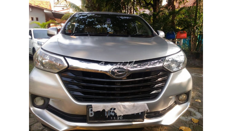 2015 Daihatsu Xenia R Dual VVTI - Harga Bisa Digoyang (preview-0)