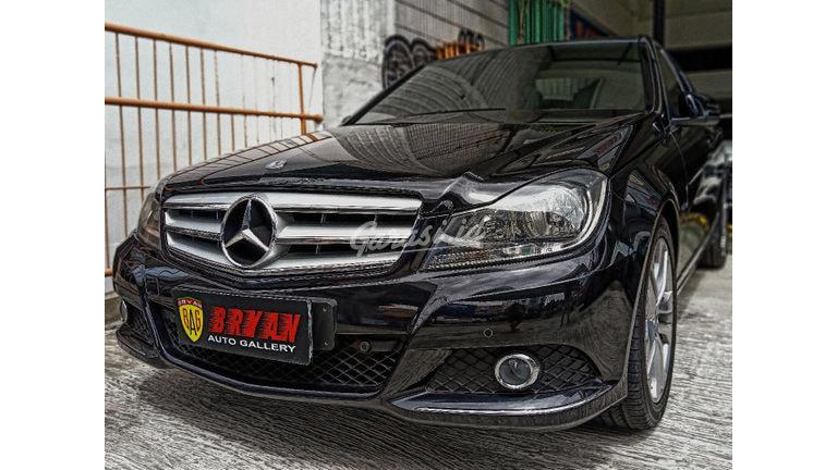 2013 Mercedes Benz C-Class C200 - ANTIK LOW KM PERFECT CONDITION (preview-0)