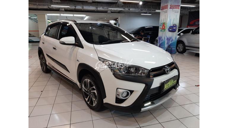 2017 Toyota Yaris Heykers trd - Mobil Pilihan (preview-0)