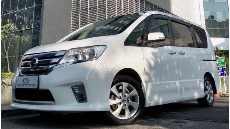 2015 Nissan Serena 2.0 HWS AT - Mobil Pilihan (preview-0)