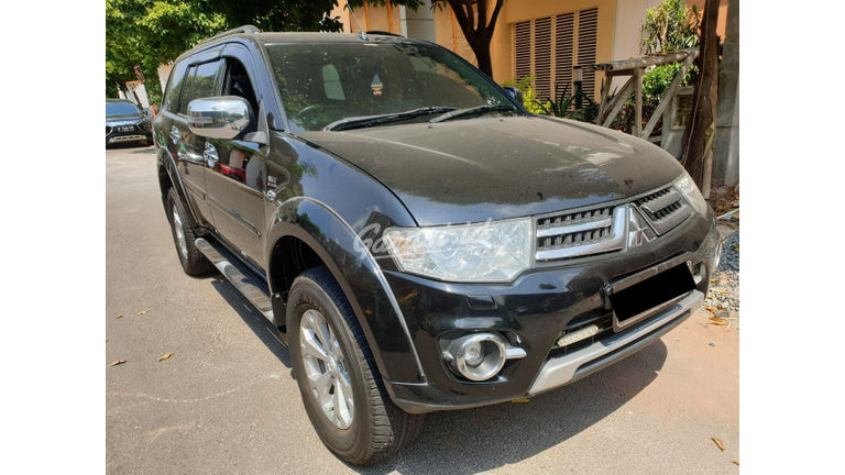 2015 Mitsubishi Pajero Sport Dakar - Mobil Pilihan (preview-0)