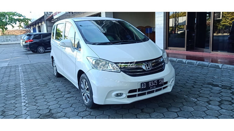 2014 Honda Freed PSD - Asli terawat (preview-0)